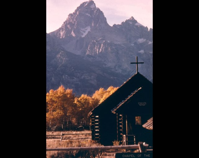 Chapel-of-Transfiguration-Grand-Teton-National-Park