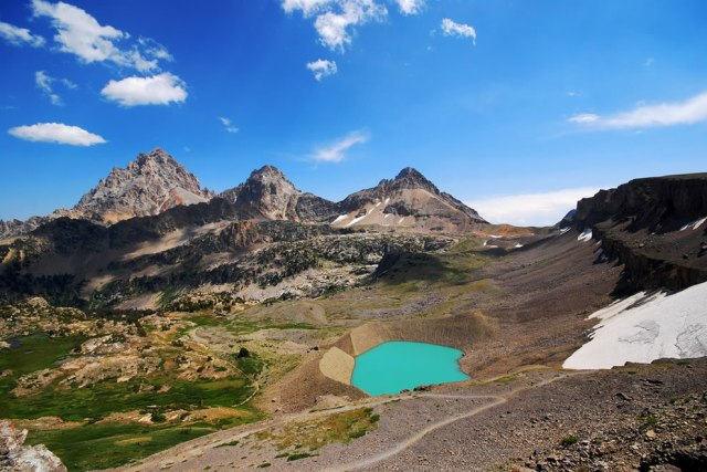 Widest-Tetons-with-glacier-and-lake